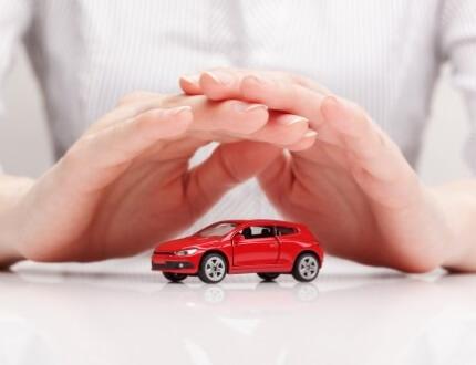 זוג ידיים מקיפות דגם של רכב